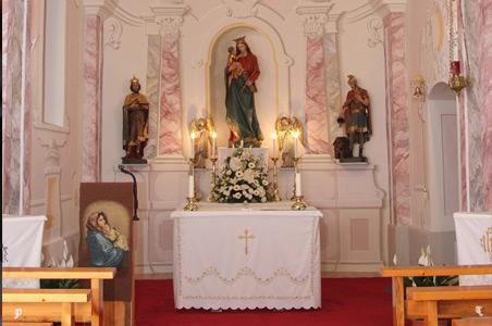 Plébániai hírek – Ereklyéket helyeznek el vasárnap a toronyi templom mellékoltárain