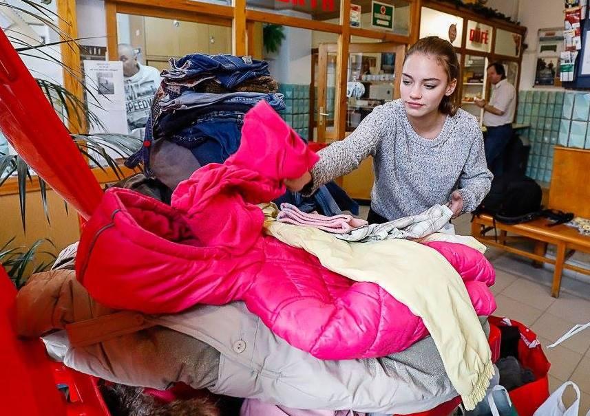 Ingyenes ruhaosztás lesz december 16-án a toronyi művelődési házban